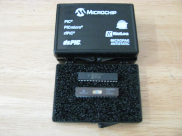 Microchip Golden Device PIC 16C63A