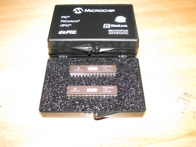 Golden Device Microchip PIC 16C63A